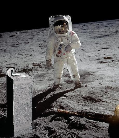 Доказательство существования воды на Луне с сайта NASA
